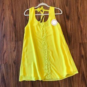 Super cute yellow dress